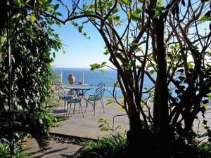 Piscina sul Mar Ionio