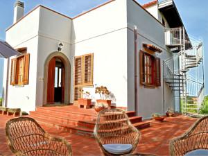 Villa in collina a Capo d'Orlando